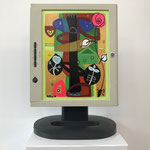 Goldiger Herbst | 2019 | Monitor, acrylic paint, oil paint, oil pastel | 30,5 × 23 cm
