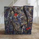 """Globuswürfel (Universum)"" 1998 Holz, Seide, Pappe, Landkarten, Draht, div. Farben ca. 160x160x175cm, zerlegbar"