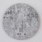 """""""Angesicht 7"""", 2009 Jaquardgewebe mit Stickerei (Viskose) auf Kappaplatte aufgezogen Durchm. 21,5 cm, 1 cm tief, Unikat"""