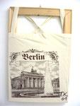 """""""Beutelkunst Berlin"""", 2001 Leinenbeutel über Keilrahmen 55 x 35,5 cm"""