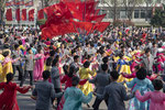 Mass dance for the Day of the Sun (04/15) - Pyongyang