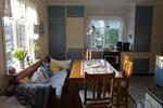 Geräumige Küche mit großer Sitzecke