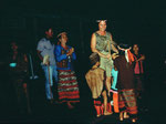 Bei ihren kulturellen Festen werden auch alle Kinder eingebunden.