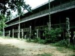 Langhaus im Dayakdorf Mancong am Ohong-Fluss.