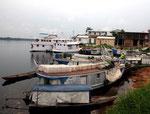 Am nächsten Tag kamen auch die Neonfischer mit ihrem voll gestopften Boot in Barcelos an.