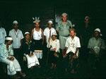 Ledak Kidau im Jahre 1998. Am Abend erzählen uns die Dayak ihre traurige Lebensgeschichte, von ihrer Vertreibung aus ihrer Heimat den Urwäldern im Hinterland von Ostkalimantan.