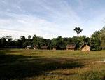 Im Jahr 2006 lebten in diesem Indianerdorf ca. 250 halbzivilisierte Yanomami-Indianer.