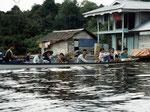 Unsere nächste Tour machten wir zum Jempangsee. Die Kutai sind ein sehr freundliches Volk.