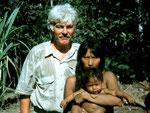 Neben mir: Mayoruna-Frau mit Kind in Lameirao auf der brasilianischen Seite des Rio Javari.