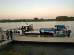 Mit dem Boot geht es vom Zentrum der Stadt direkt in den Nationalpark Donauauen.