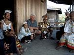 Im neu aufgebauten Dorf Ledak Kidau im Jahre 2000.