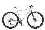Yさんのアプレは山岳サイクリング専用車。アプレには珍しくドロヨケがありませんが、ホイールはしっかり650Bです。写真の状態で8.7キロ、シマノ・XTRのクランクが入荷してくればさらに軽量化する予定です!