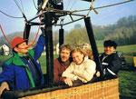 3/2000 mit ORF Wetterlady Christa Kummer nach der Ballonfahrt in der Steiermark