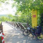 Die Brücke vom Rizana Fluß