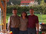 fleißige Helfer Mathias und Sonja Janz, Karl Bodner