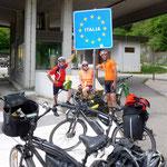Grenze zu Italien mit Biker aus Holland