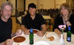 Beim verdienten Essen nach dem Konzert