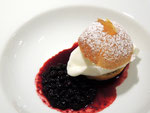 was Süßes im Restaurant La Primula
