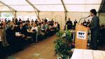 5/1998 Fest 50 Jahre Raffinerie Schwechat, in der 1. Reihe Bundeskanzler Viktor Klima und Kardinal König