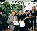1/2000 Vertrag mit Dir. Helmut Pechlarner vom Tiergarten Schönbrunn unterzeichnet (mit echter Schlange!)