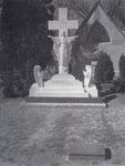 Diese Statue ließ Elvis auf Graceland aufstellen, als seine Mutter gestorben ist.