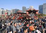 日本全国の祭りごとを披露