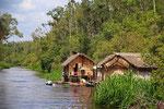 Siedlung am Sekonyer River, Tanjung Puting Nationalpark, Borneo