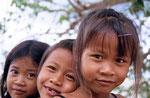 Kinder amTtonle Sap-See, Kambodscha