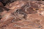 Straße zu einer Bergwerkssiedlung im Reserva Nacional Las Vicunas, Chile