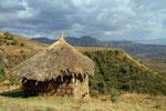 Landschaft bei der Höhlenkirche Neakuta Leab
