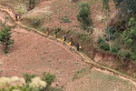 Beim Wasser holen, Virungagebiet, Ruanda
