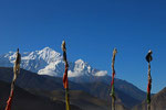 Syang mit Nilgiri Nord (7.061 m) im Hintergrund, Mustang