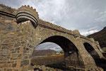 Brücke am Eilean Donan Castle, West-Schottland