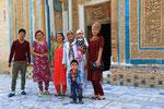Großfamilie in Mazor-i-sharif, Tadschikistan