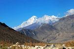 Dhaulagiri-Massiv (8.167 m) über der Kali Gandaki-Schlucht, Mustang