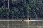 Fischer auf dem Sangha-Fluss, Republik Kongo