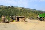 """""""Reifendienst"""" in der Nähe von Pokhara"""
