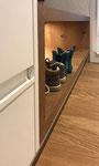Schuhfach in Eiche furniert, inkl. Akzentbeleuchtung