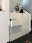 Garderobenmöbel, Platz optimal ausgenutzt, viel Stauraum inkl. Dekofläche