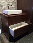 Badmöbel mit hochwertiger BLUM Legrabox