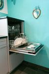 Geschirrspülmaschine erhöht, für eine angenehmere Bedienung