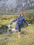 Huaraz, Crossing rivers during the hike