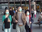 This is how chinese tourists try protect themselves from the swine flu^^