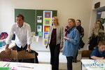 Acrylbilder malen nach Josef Albers, VS Dir. Josef Kirisits, Workshopleiterin Susanne Koschik Kuntner