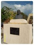ESCULTURA MONUMENTO A JUSTO SIERRA MENDEZ