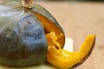 大きな野菜や半身の魚など、普通のオーブンではとても料理できないものを中まで火を通してくれます。