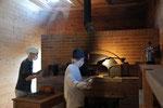 大阪の「竹内ベーカリー」時代は数十人のスタッフで経営されていたそうですが、ここでは二人だけの工房になりました。
