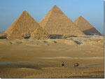 Pirámides de Gizah .- El Cairo -.