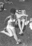 Mitzerl und Franzerl beim Baden 1967