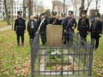 Am Grab von Lützow Foto Dünnebier